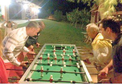 H καλοκαιρινή βίλα που μένει ο Αλέξης Τσίπρας- Ποιος είναι ο ιδιοκτήτης και το πάρτι